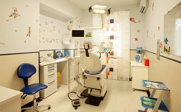 Ismile studio odontoiatrico for Arredamento studio odontoiatrico